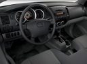 Фото авто Toyota Tacoma 2 поколение, ракурс: торпедо