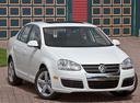 Фото авто Volkswagen Jetta 5 поколение, ракурс: 315 цвет: белый