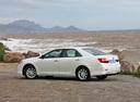 Фото авто Toyota Camry XV50, ракурс: 135 цвет: белый