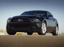 Фото авто Ford Mustang 5 поколение [2-й рестайлинг], ракурс: 45 цвет: черный