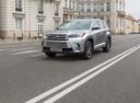 Фото авто Toyota Highlander 3 поколение [рестайлинг], ракурс: 45 цвет: серебряный