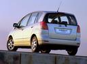 Фото авто Toyota Corolla Verso 1 поколение, ракурс: 135 цвет: серебряный