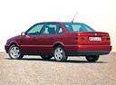 Фото авто Volkswagen Passat B4, ракурс: 135 цвет: красный
