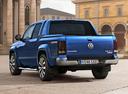 Фото авто Volkswagen Amarok 1 поколение [рестайлинг], ракурс: 135 цвет: синий
