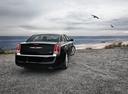 Фото авто Chrysler 300C 2 поколение, ракурс: 180 цвет: черный