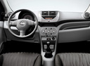 Фото авто Nissan Pixo 1 поколение, ракурс: торпедо