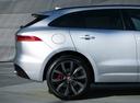 Фото авто Jaguar F-Pace 1 поколение, ракурс: колесо цвет: серебряный