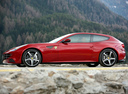 Фото авто Ferrari FF 1 поколение, ракурс: 90 цвет: красный
