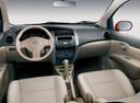 Фото авто Nissan Livina 1 поколение, ракурс: торпедо