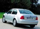 Фото авто Volkswagen Bora 1 поколение, ракурс: 135 цвет: белый