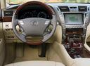 Фото авто Lexus LS 4 поколение, ракурс: рулевое колесо