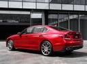 Фото авто Genesis G70 1 поколение, ракурс: 135 цвет: красный