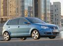 Фото авто Volkswagen Polo 4 поколение [рестайлинг], ракурс: 270 цвет: голубой