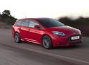 Фото авто Ford Focus 3 поколение, ракурс: 315 цвет: красный