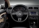 Фото авто Volkswagen Polo 5 поколение, ракурс: рулевое колесо