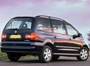 Фото авто Volkswagen Sharan 1 поколение [2-й рестайлинг], ракурс: 225 цвет: синий