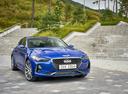 Фото авто Genesis G70 1 поколение, ракурс: 315 цвет: синий