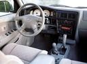 Фото авто Toyota Tacoma 1 поколение [2-й рестайлинг], ракурс: торпедо