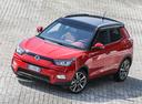 Фото авто SsangYong Tivoli 1 поколение, ракурс: 45 цвет: красный