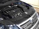 Фото авто Volkswagen Passat B6, ракурс: двигатель