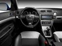 Фото авто Skoda Octavia 2 поколение [рестайлинг], ракурс: торпедо