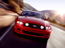 Фото авто Ford Mustang 5 поколение [2-й рестайлинг],  цвет: красный