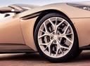 Фото авто Aston Martin DB11 1 поколение, ракурс: колесо цвет: бежевый