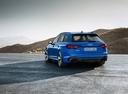 Фото авто Audi RS 4 B9, ракурс: 135 цвет: голубой