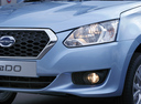 Фото авто Datsun on-DO 1 поколение, ракурс: передние фары цвет: голубой