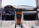 Фото авто Mercedes-Benz E-Класс W124, ракурс: торпедо