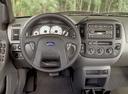 Фото авто Ford Maverick 2 поколение, ракурс: торпедо