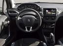Фото авто Peugeot 208 1 поколение, ракурс: рулевое колесо