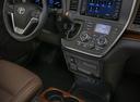 Фото авто Toyota Sienna 3 поколение [рестайлинг], ракурс: торпедо