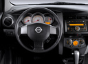 Фото авто Nissan Livina 1 поколение, ракурс: рулевое колесо