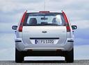 Фото авто Ford Fusion 1 поколение, ракурс: 180 цвет: серебряный