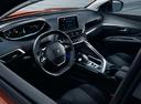 Фото авто Peugeot 3008 2 поколение, ракурс: торпедо