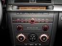 Фото авто Mazda 3 BK, ракурс: центральная консоль