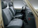 Фото авто Toyota Land Cruiser J70 [3-й рестайлинг], ракурс: сиденье
