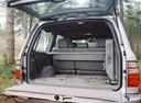 Фото авто Toyota Land Cruiser J100 [рестайлинг], ракурс: багажник