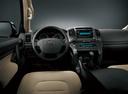 Фото авто Toyota Land Cruiser J200, ракурс: рулевое колесо