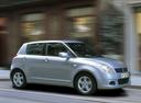 Фото авто Suzuki Swift 3 поколение, ракурс: 270 цвет: серебряный
