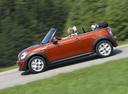 Фото авто Mini Cabrio R57 [рестайлинг], ракурс: 90 цвет: оранжевый