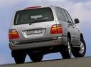 Фото авто Toyota Land Cruiser J100, ракурс: 225 цвет: серебряный