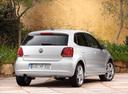 Фото авто Volkswagen Polo 5 поколение, ракурс: 225 цвет: серебряный