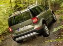 Фото авто Skoda Yeti 1 поколение [рестайлинг], ракурс: 225 цвет: зеленый