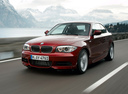Фото авто BMW 1 серия E82/E88 [2-й рестайлинг], ракурс: 45 цвет: красный