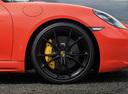 Фото авто Porsche Boxster 982, ракурс: колесо цвет: оранжевый