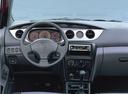 Фото авто Daihatsu YRV 1 поколение, ракурс: рулевое колесо