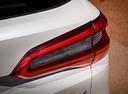 Фото авто BMW X5 G05, ракурс: задние фонари цвет: белый