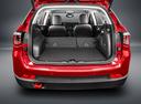 Фото авто Jeep Compass 2 поколение, ракурс: багажник цвет: красный
